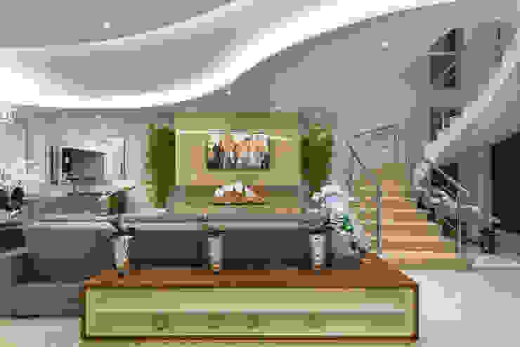 Salas de entretenimiento de estilo moderno de Designer de Interiores e Paisagista Iara Kílaris Moderno Mármol