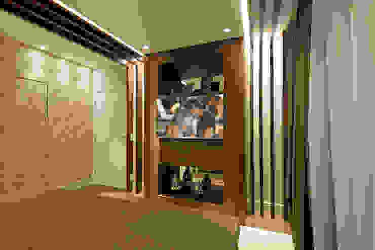 Cuartos de estilo moderno de Designer de Interiores e Paisagista Iara Kílaris Moderno Madera Acabado en madera
