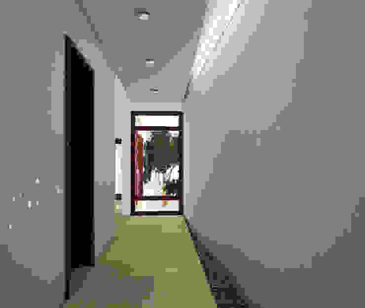 Moderne Häuser von MUTAR Arquitectura Modern