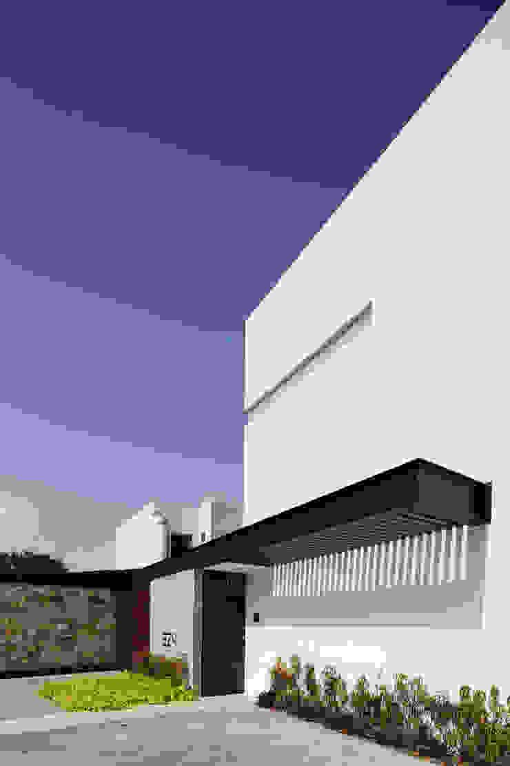 P11 ARQUITECTOS Modern Evler