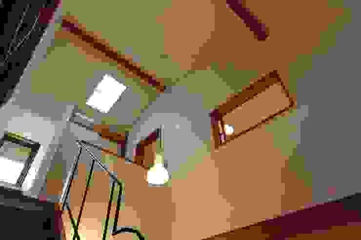 階段室の吹抜空間 藤松建築設計室 玄関&廊下&階段階段