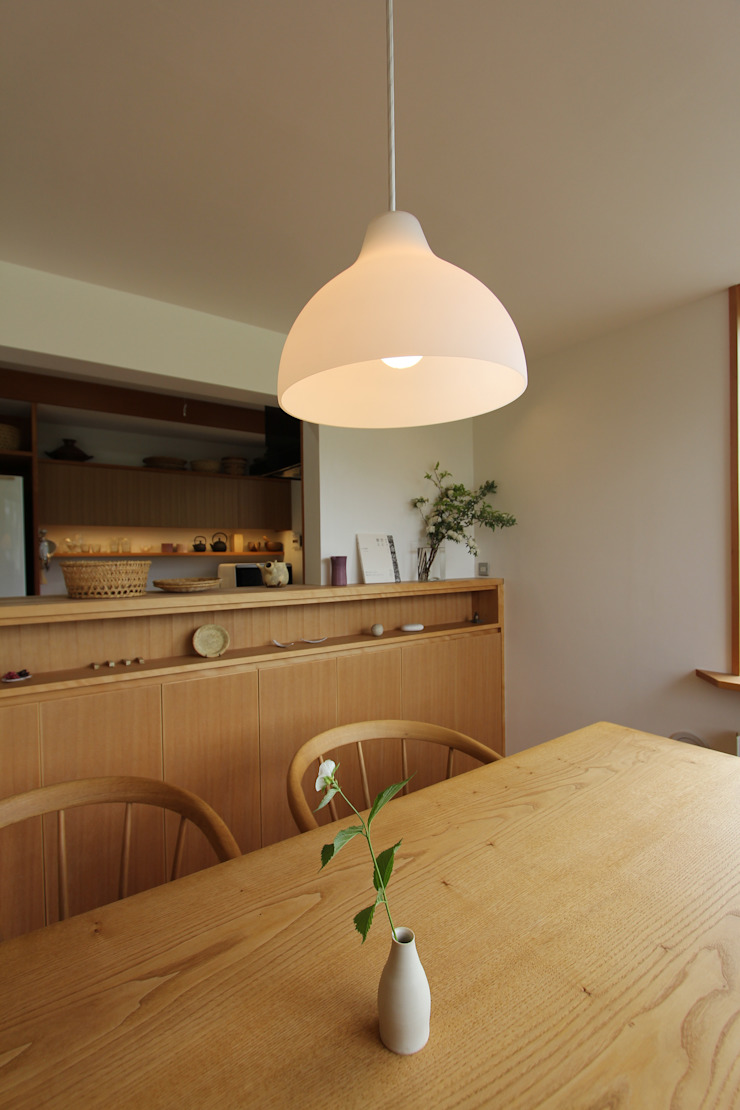 キッチンカウンター: 藤松建築設計室が手掛けたスカンジナビアです。,北欧