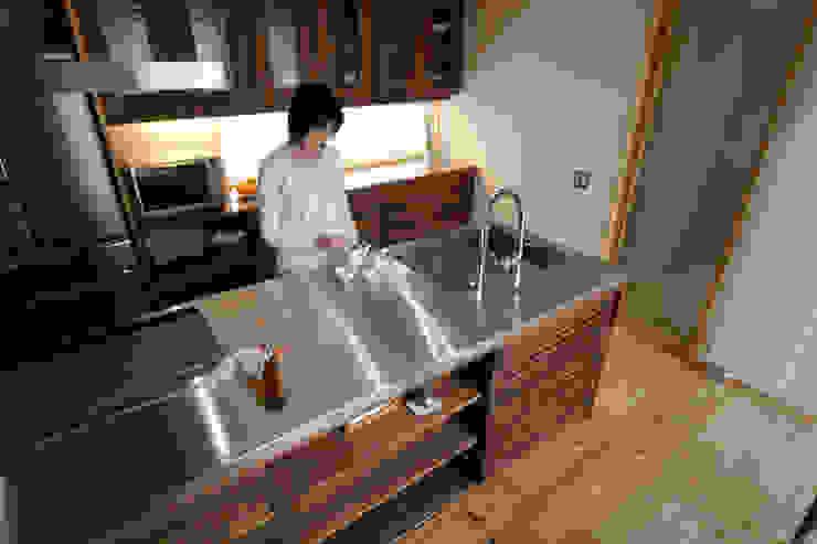 製作システムキッチン: 藤松建築設計室が手掛けたスカンジナビアです。,北欧