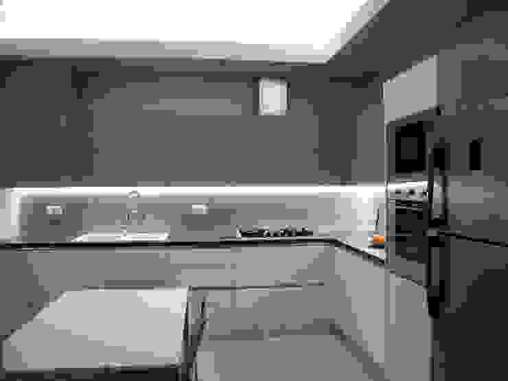 ARREDAMENTI VOLONGHI s.n.c. 廚房儲櫃