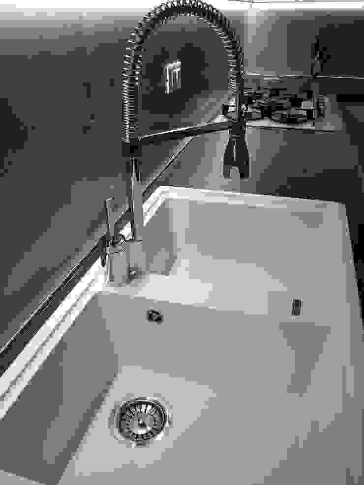 ARREDAMENTI VOLONGHI s.n.c. 廚房洗手台與水龍頭