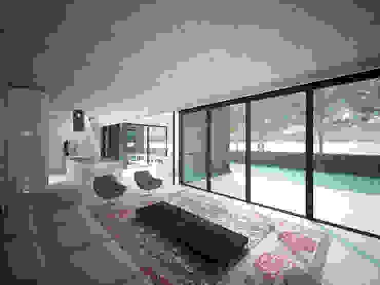 Woonhuis JWVRA Minimalistische woonkamers van artisan architects Minimalistisch Hout Hout
