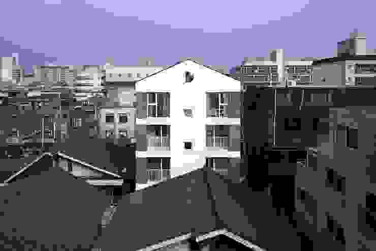 망원동 쌓은집 모던스타일 주택 by 에이오에이 아키텍츠 건축사사무소 (aoa architects) 모던