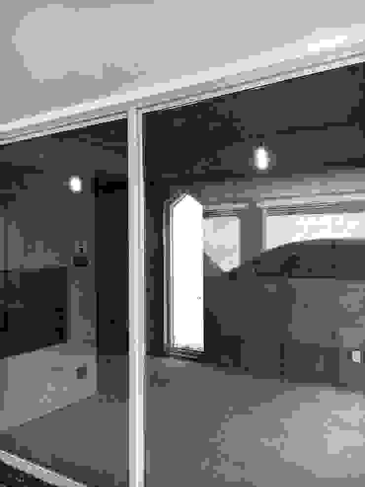 망원동 쌓은집 러스틱스타일 주택 by 에이오에이 아키텍츠 건축사사무소 (aoa architects) 러스틱 (Rustic)