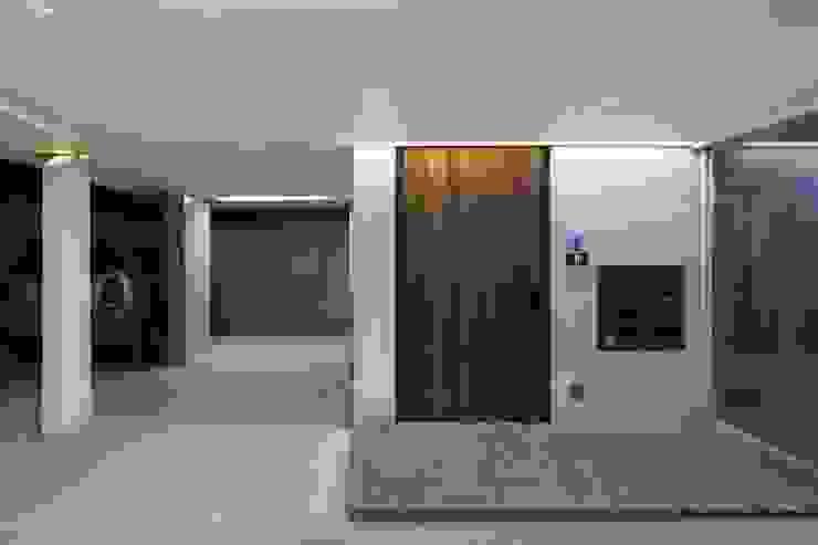 망원동 쌓은집 모던스타일 주택 by 에이오에이 아키텍츠 건축사사무소 (aoa architects) 모던 우드 우드 그레인