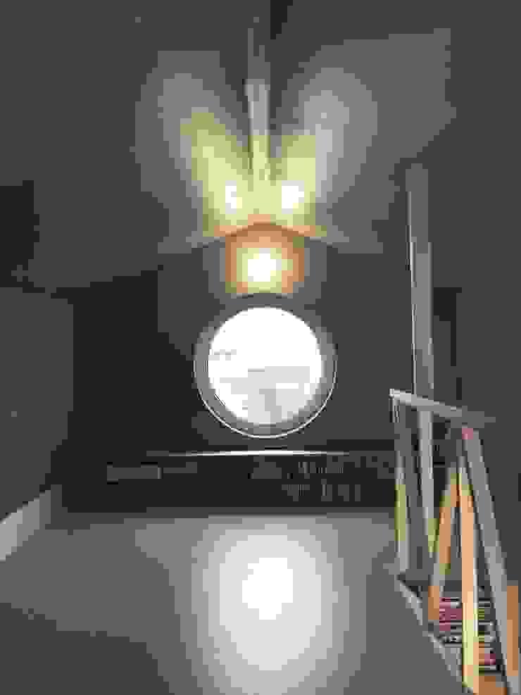 망원동 쌓은집 러스틱스타일 거실 by 에이오에이 아키텍츠 건축사사무소 (aoa architects) 러스틱 (Rustic)