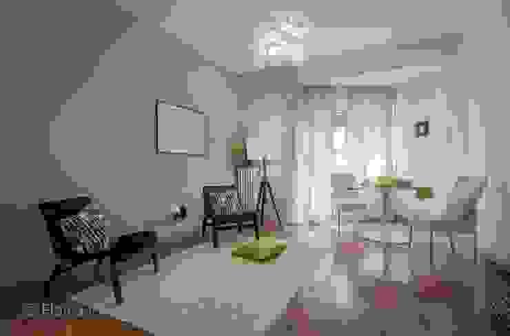 Home Staging a Ponte Milvio Soggiorno classico di Flavia Case Felici Classico
