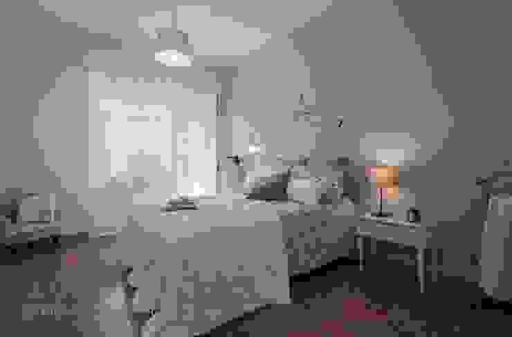 Home Staging a Ponte Milvio Camera da letto in stile classico di Flavia Case Felici Classico