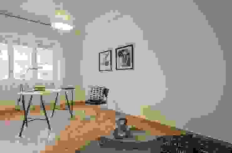 Home Staging a Ponte Milvio Studio in stile classico di Flavia Case Felici Classico