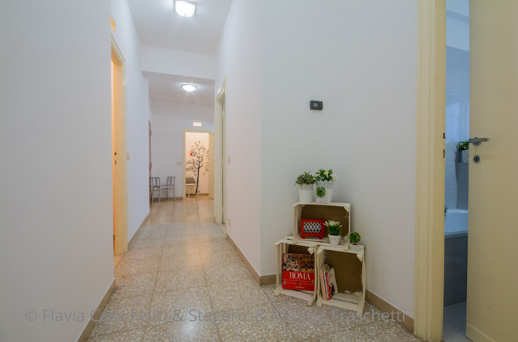 Flavia Case Felici Pasillos, vestíbulos y escaleras de estilo moderno