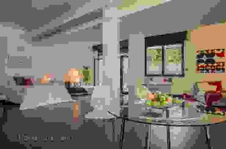 Ruang Keluarga Modern Oleh Flavia Case Felici Modern