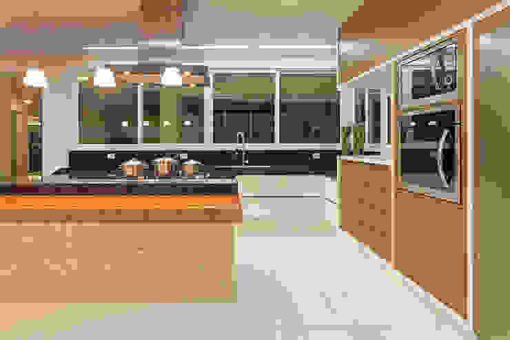 Cocinas de estilo  por Arquiteto Aquiles Nícolas Kílaris, Moderno Mármol