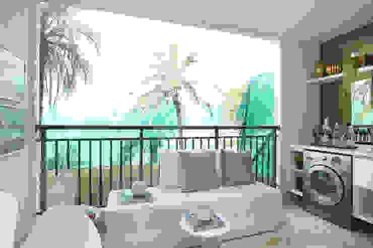 Балкон и терраса в стиле минимализм от homify Минимализм