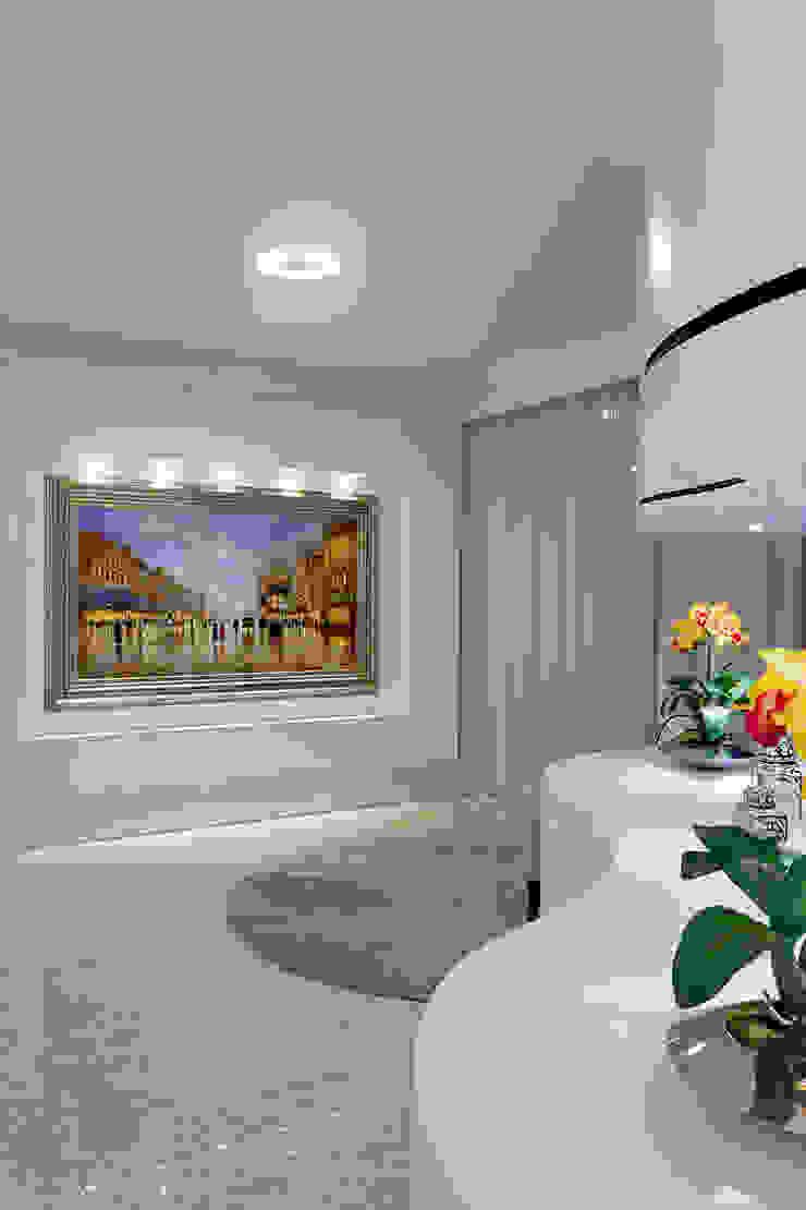 Couloir, entrée, escaliers modernes par Arquiteto Aquiles Nícolas Kílaris Moderne