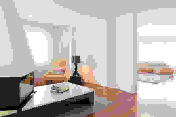 atelier B-L Ruang Keluarga Modern