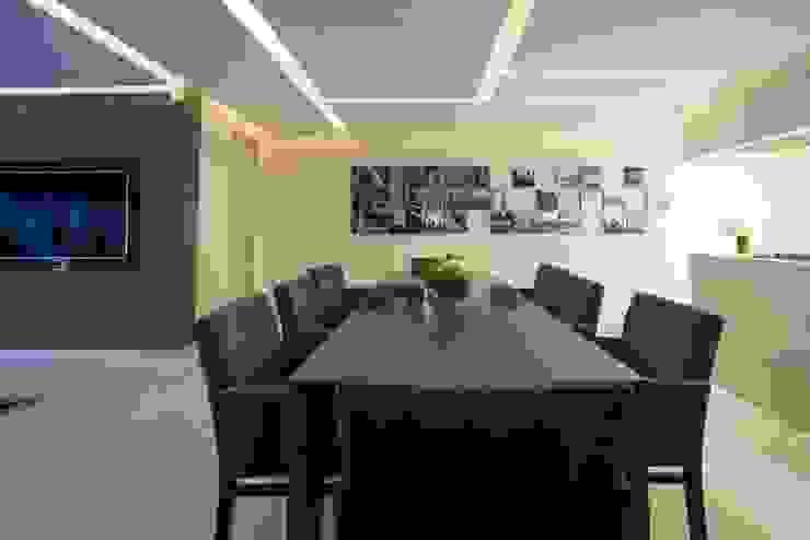 Comedores de estilo moderno de HO arquitectura de interiores Moderno