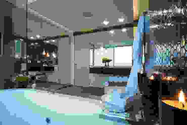 Bathroom by HO arquitectura de interiores,