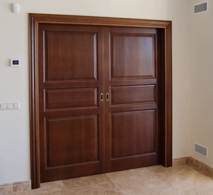 homify Rustic style doors