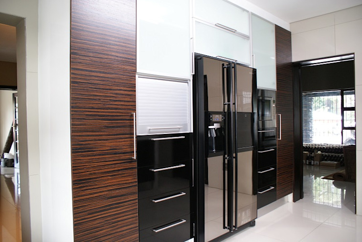 Minimalist kitchen by Life Design Minimalist