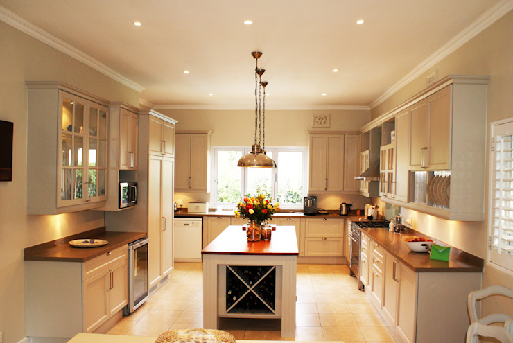 Kitchens:  Kitchen by Life Design,