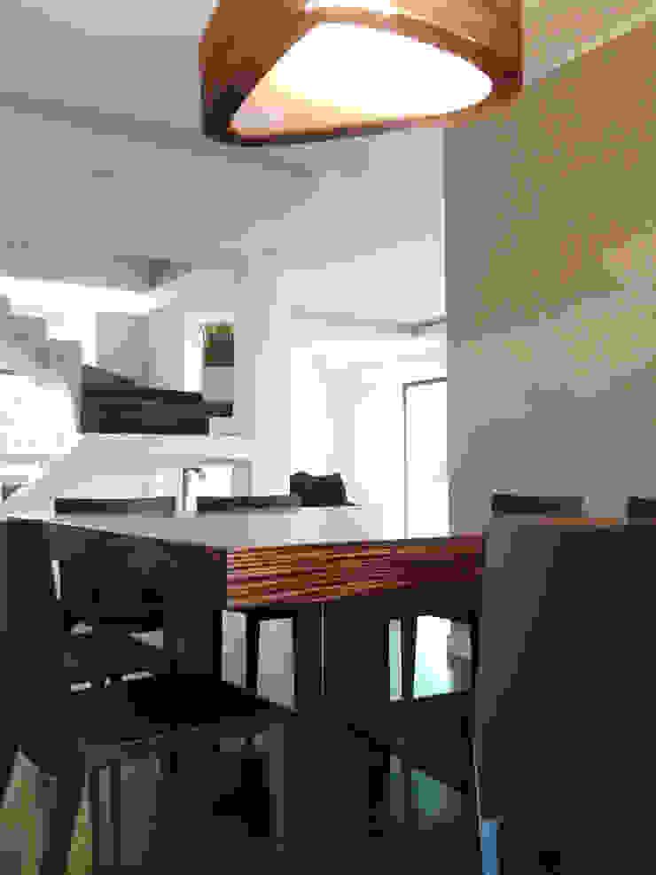 Salas de jantar modernas por SERENA ROMANO' ARCHITETTO Moderno