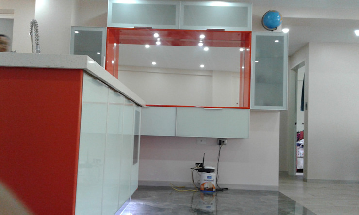 by GRUPO ORBITALMA Minimalist Glass