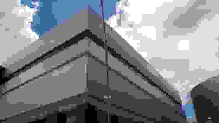 Outlet San Martin Casas modernas de Studio Glass Moderno Aluminio/Cinc