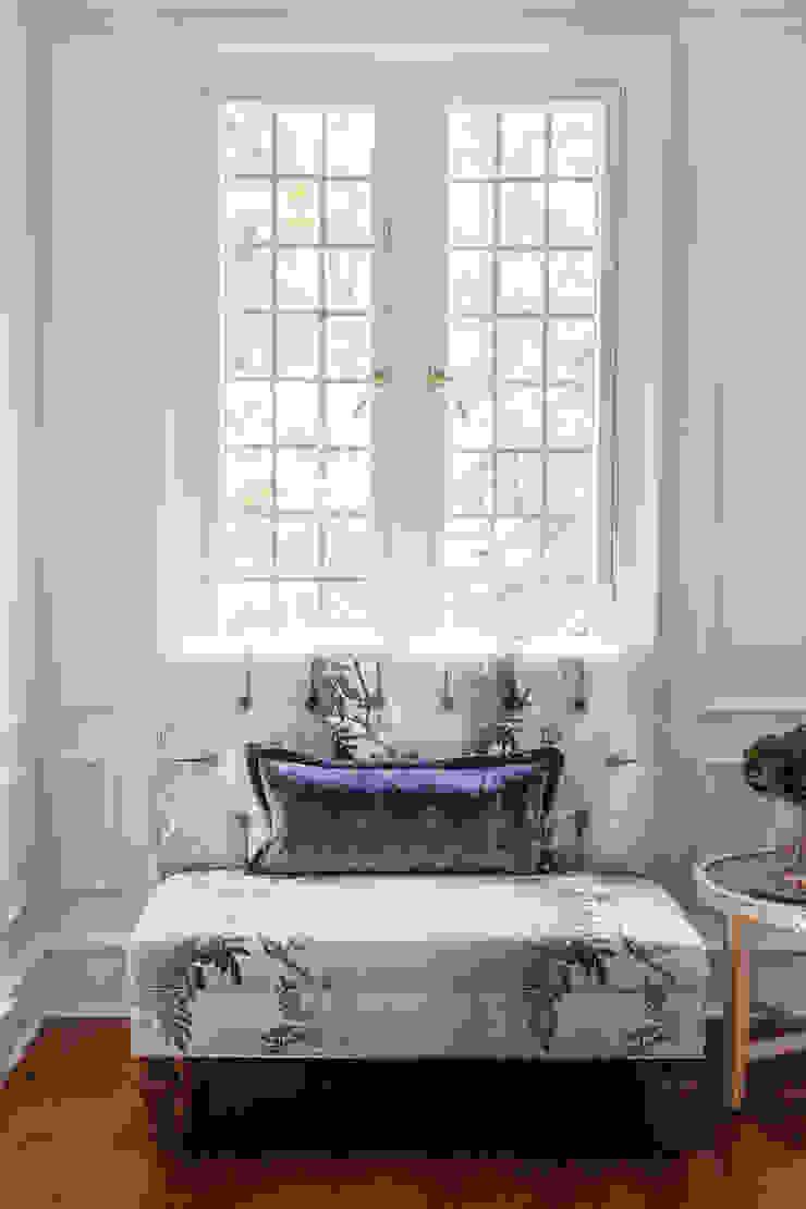 custom settee with velvet pillow Mel McDaniel Design Dining roomChairs & benches