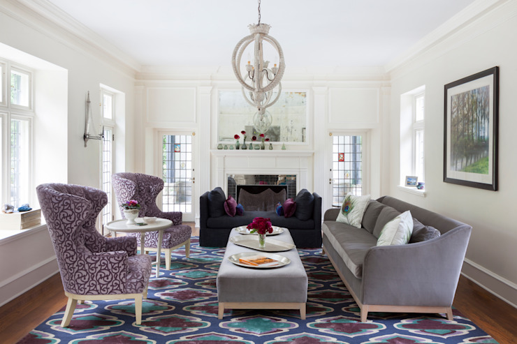 Haverford :  Living room by Mel McDaniel Design ,