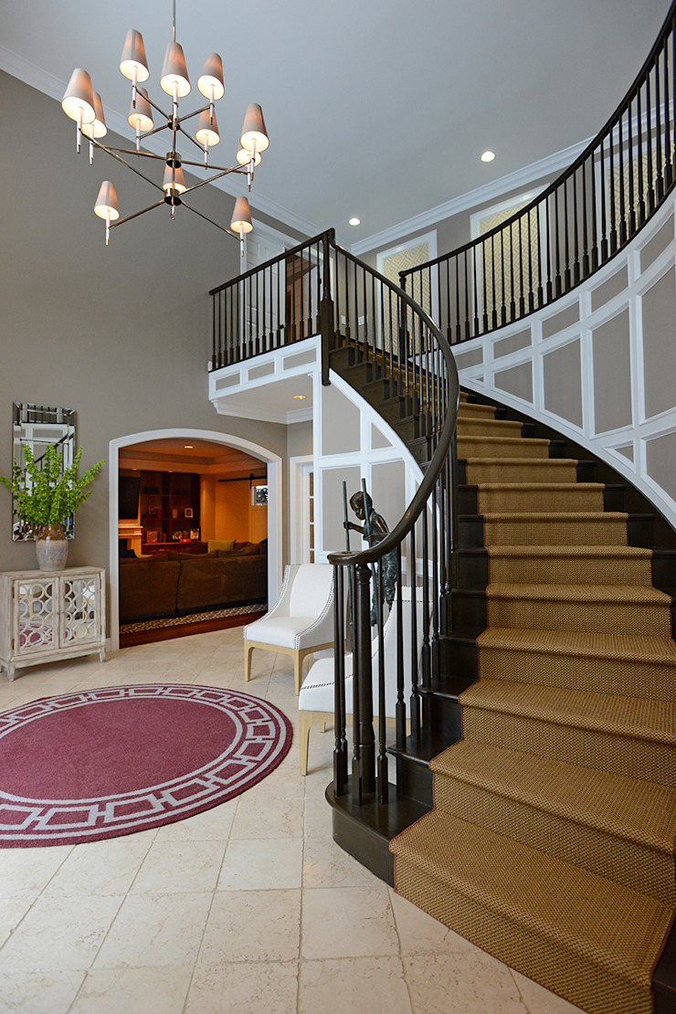 Mel McDaniel Design Classic style corridor, hallway and stairs