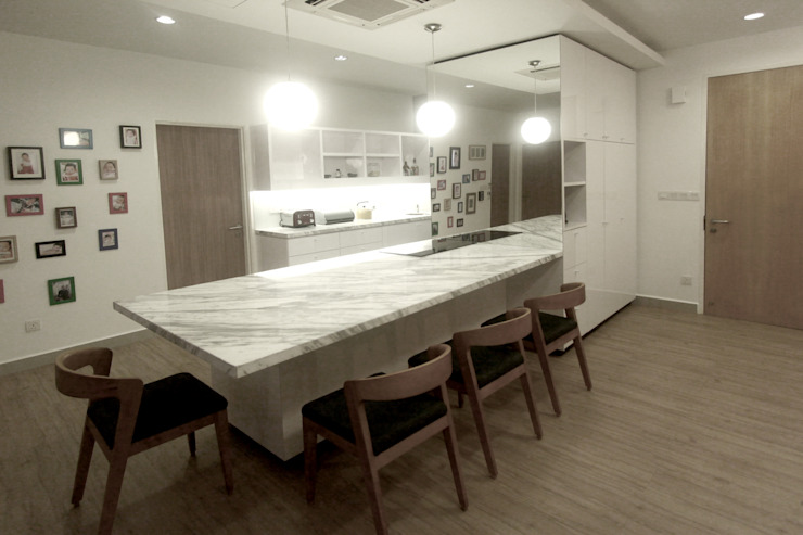 The Sanderson Home Modern dining room by inDfinity Design (M) SDN BHD Modern