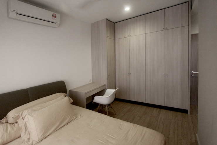 The Sanderson Home Modern style bedroom by inDfinity Design (M) SDN BHD Modern