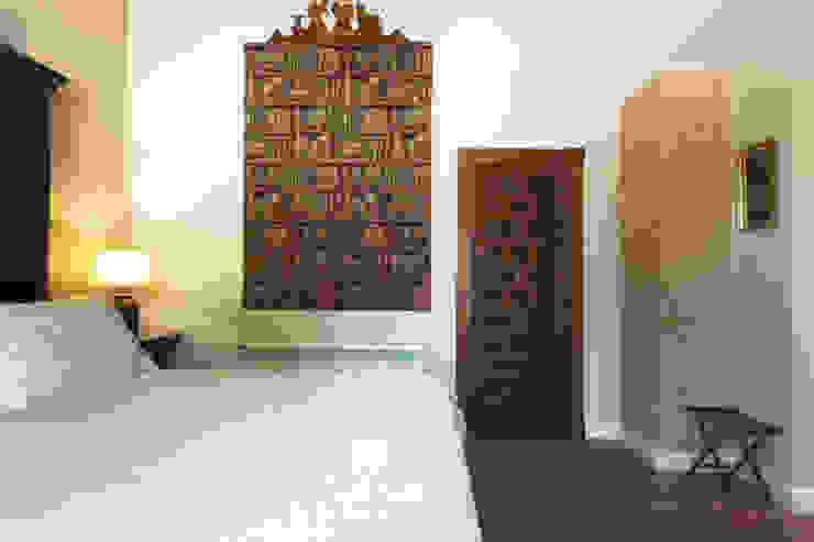 House on vineyards Rustic style bedroom by Raul Garcia Studio Rustic