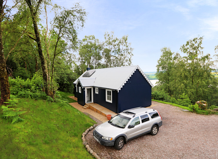 Two Bedroom Bespoke Wee House Country style house by The Wee House Company Country