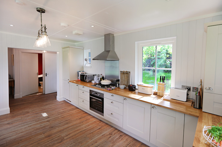 Two Bedroom Bespoke Wee House Country style kitchen by The Wee House Company Country