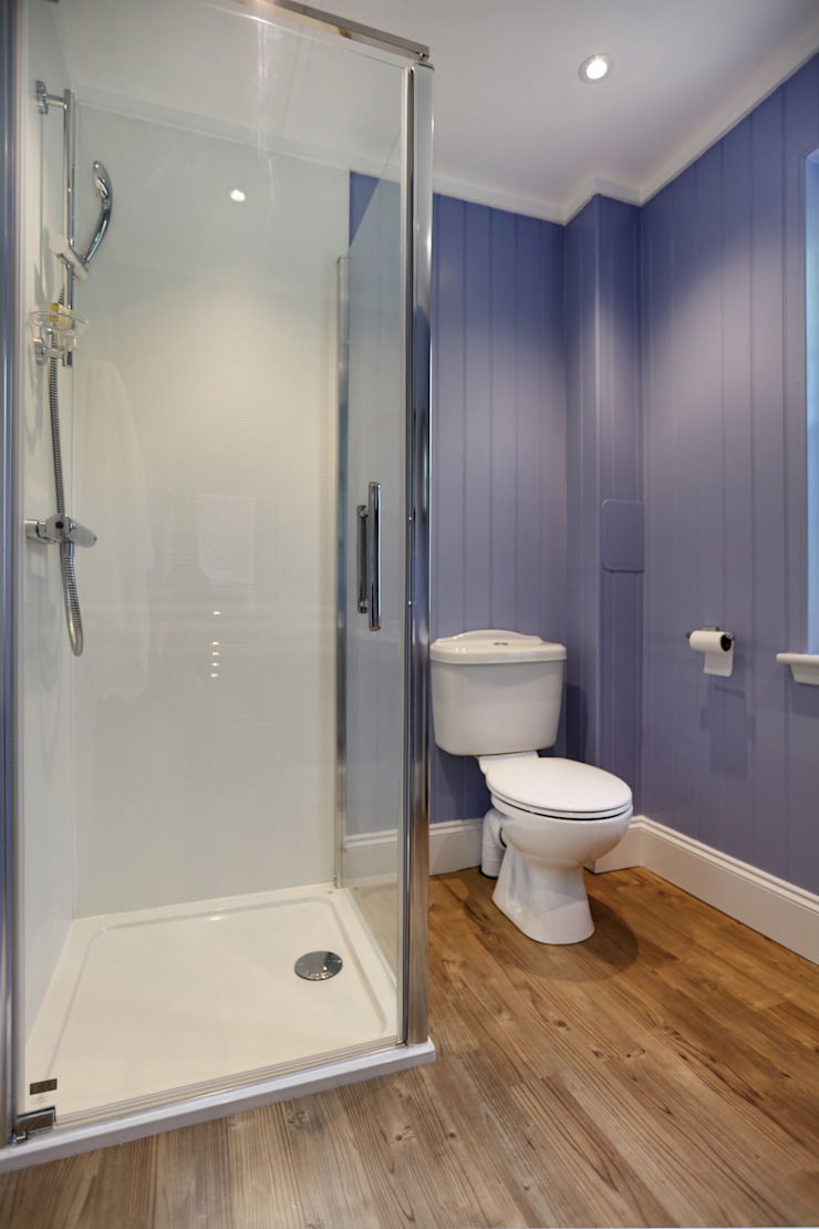 Two Bedroom Bespoke Wee House Country style bathroom by The Wee House Company Country