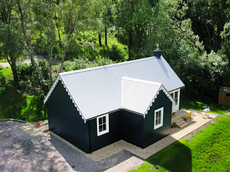 Two Bedroom Bespoke Wee House Country style houses by The Wee House Company Country