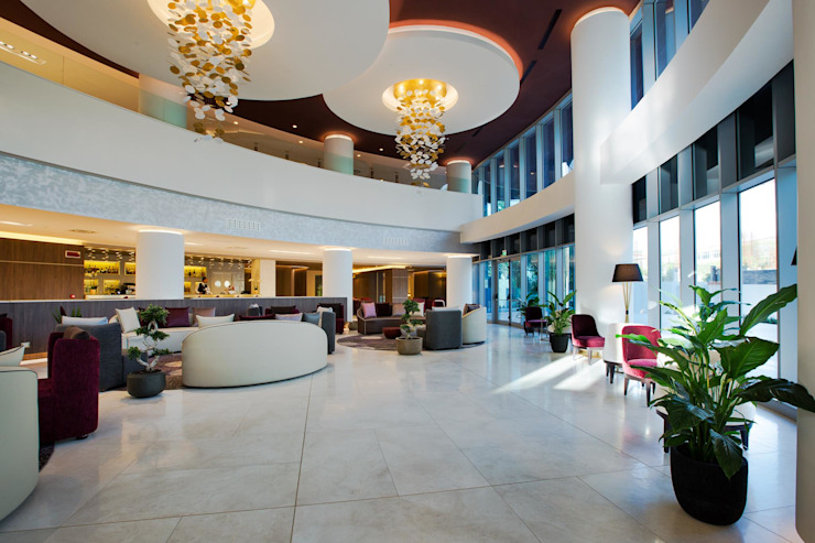 Hilton Doubletree Yeveran M.M. Lampadari Bares e clubes