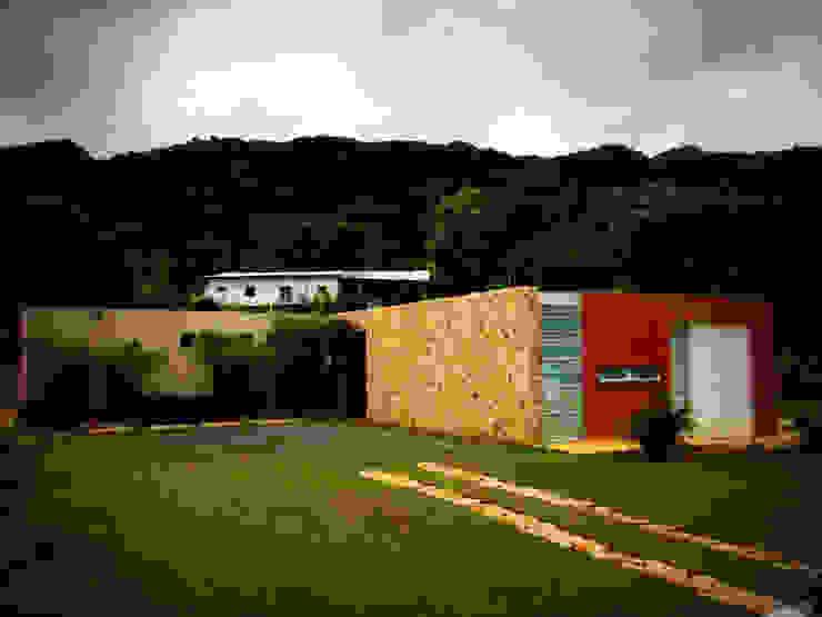 Casa Dapa AN: Casas de estilo  por COLECTIVO CREATIVO, Moderno