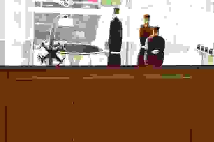 Cocina modular importada (OULIN) de Decoglass Center Moderno Derivados de madera Transparente