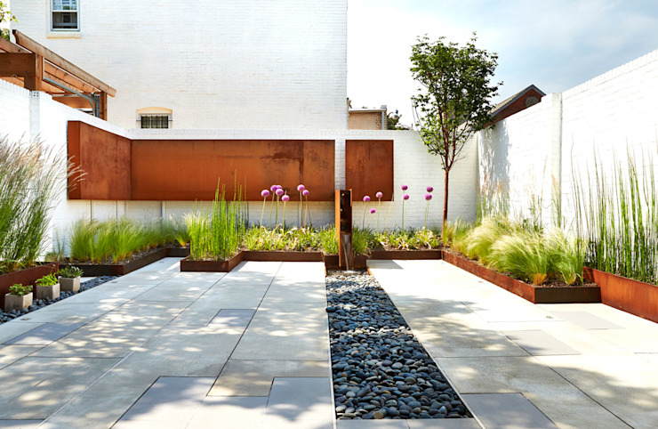 Salt + Pepper House Modern Garden by KUBE architecture Modern