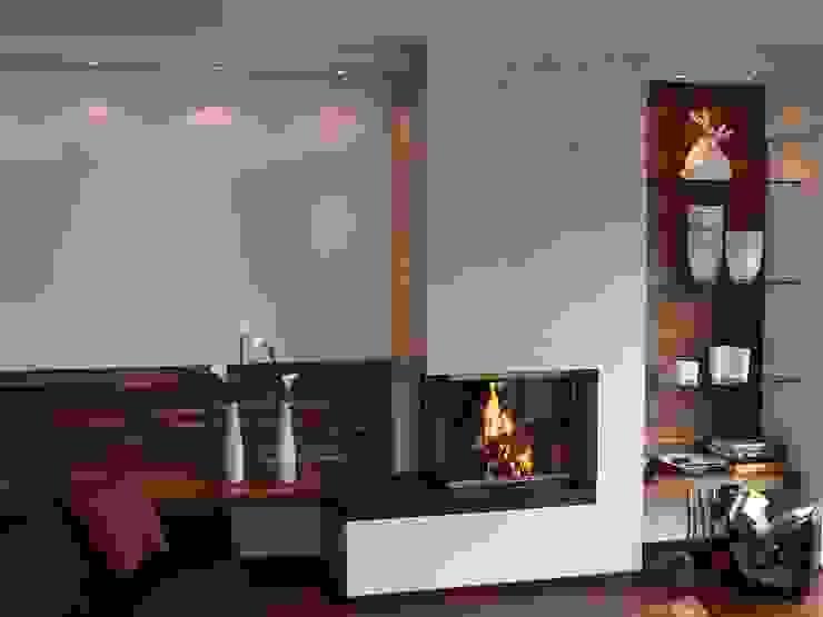 โดย Christoph Lüpken Ofenbau GmbH - Kamine aus Duesseldorf โมเดิร์น