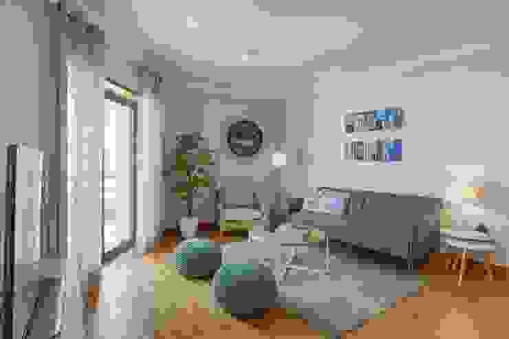 Salon moderne par EU INTERIORES Moderne
