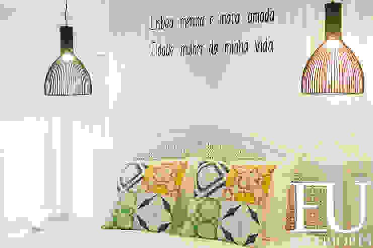 TRAÇO 8 INTERIORES Camera da letto in stile rustico