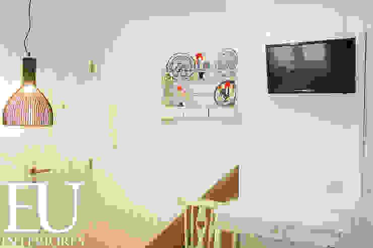 APARTAMENTO TURÍSTICO BAIRRO ALTO II – LISBOA Cozinhas rústicas por TRAÇO 8 INTERIORES Rústico