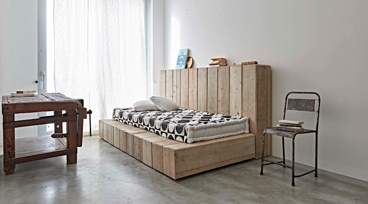 Modern style bedroom by Opera s.r.l. Modern